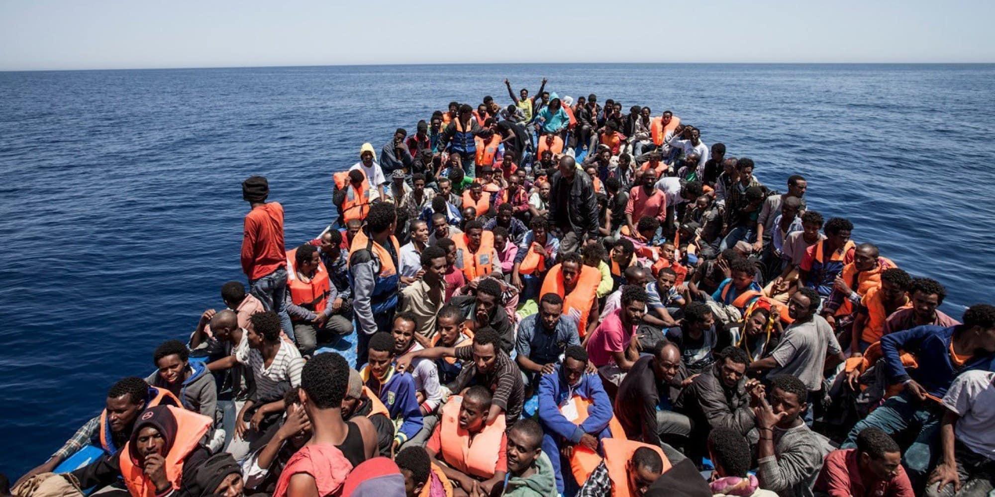 Il piano di Macron per far crollare la Libia. A lui il petrolio, a noi i profughi
