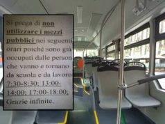 """Il sindaco PD """"vieta"""" il bus agli immigrati, e scoppia il caso politico"""