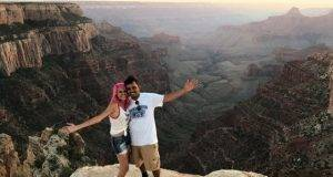 coppia di travel blogger precipita e muore
