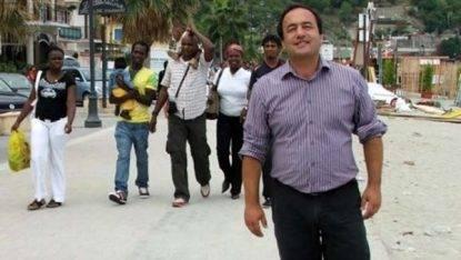 """Favoreggiamento dell'immigrazione clandestina: il sindaco del """"modello di accoglienza"""" ai domiciliari"""