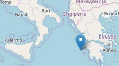 """Grecia, scossa magnitudo 6.8 in mare. Paura in Sud Italia, allarme tsunami: """"Lontani dalle spiagge"""""""