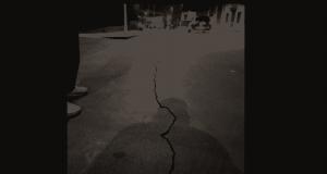 Nuova forte scossa nel Catanese: la gente si riversa per strada, si creano faglie nell'asfalto