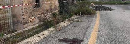 Spara e uccide la fidanzata di 23 anni in mezzo alla strada: shock a Roma
