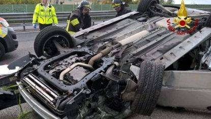 auto ribaltata a Treviso