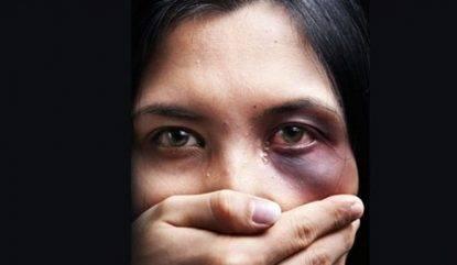 17enne violentata e picchiata nel capannone, chiesto il processo per i tre aggressori