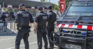 Allarme bomba a Barcellona, evacuata stazione: la polizia cerca un ordigno su un treno