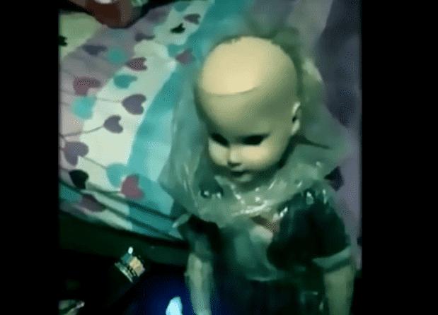 bambola aggredisce lei ed il fidanzato