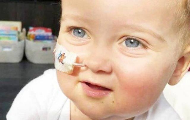 L'unico donatore di midollo trovato per il piccolo Alex s'è tirato indietro: donerà il papà