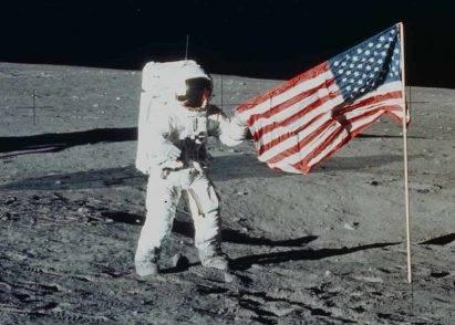 La NASA tornerà sulla luna: e sarà prima di quando si immagini. Stasera l'importante annuncio