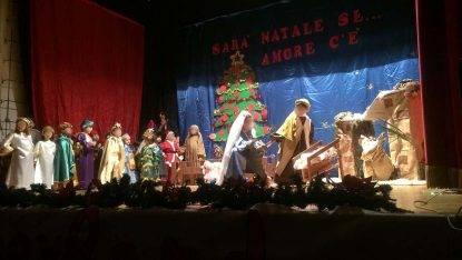 """Terni, la recita di Natale a scuola non rifarà, """"disturba le altre religioni"""". Scoppia la polemica"""