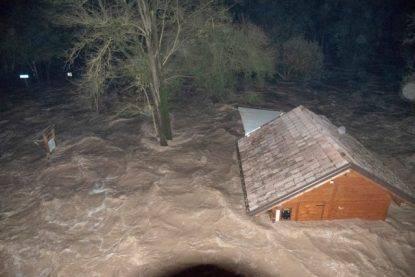 Palermo, fiume esonda e travolge casa: 9 morti, anche due bimbi di 1 e 3 anni. Sterminate due famiglie
