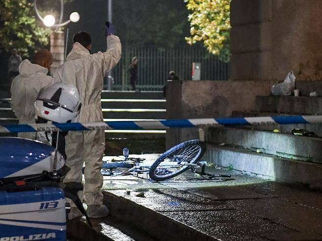 Violenza scioccante in centro a Milano- uomo uccide un altro a colpi di bicicletta dopo una lite