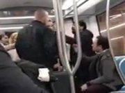 aggressione sulla metropolitana