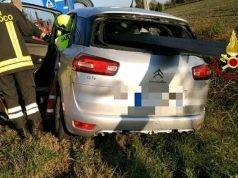 incidente auto infilzata
