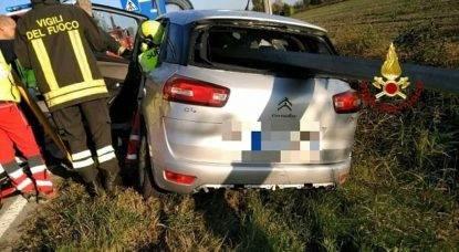 incidente auto infilzata