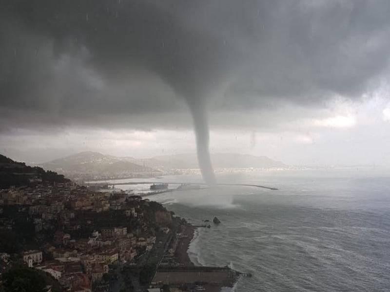 tromba marina a Salerno