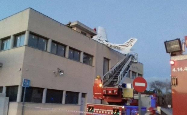 Aereo precipita: morti i due piloti