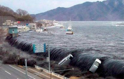 Uno tsunami fa strage in Indonesia, 168 morti e oltre 700 feriti