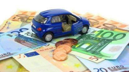 Possedere un'auto costa dai 5.000 agli 8.000 euro