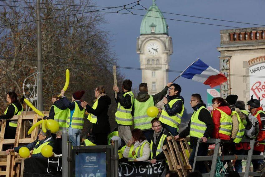 Continuano le proteste contro i rincari sul carburante