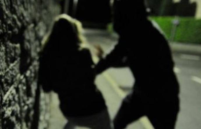 Ragazza incinta accetta passaggio a casa- obbligata a bere e stuprata da due uomini