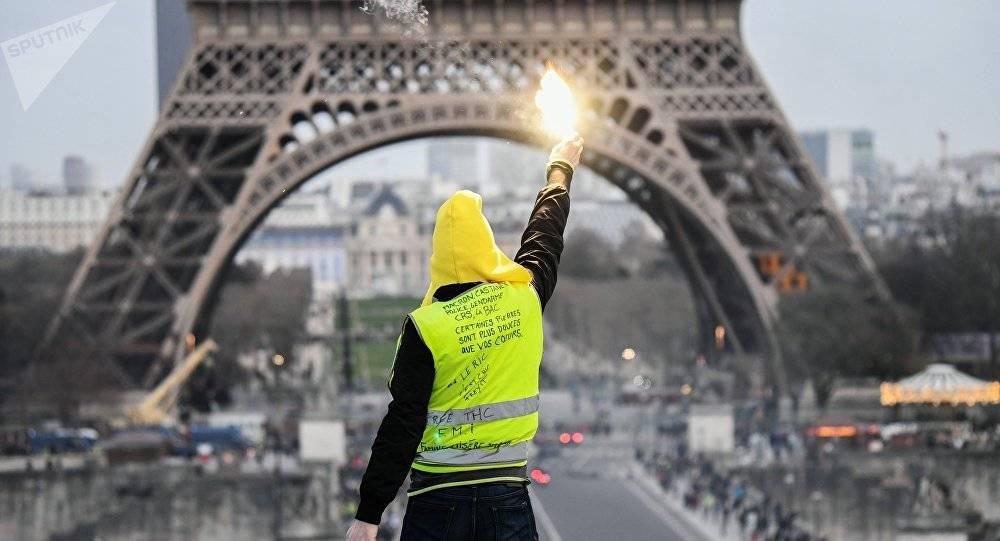 """""""Gilet gialli antisemiti"""": l'ultima fake news dalla Francia è già arrivata anche in Italia"""