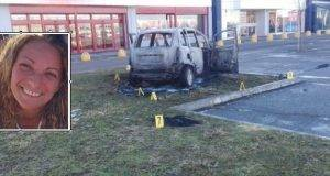 Dà fuoco all'auto con dentro l'ex- lei è grave, 45% del corpo ustionato. L'aveva denunciato tre volte
