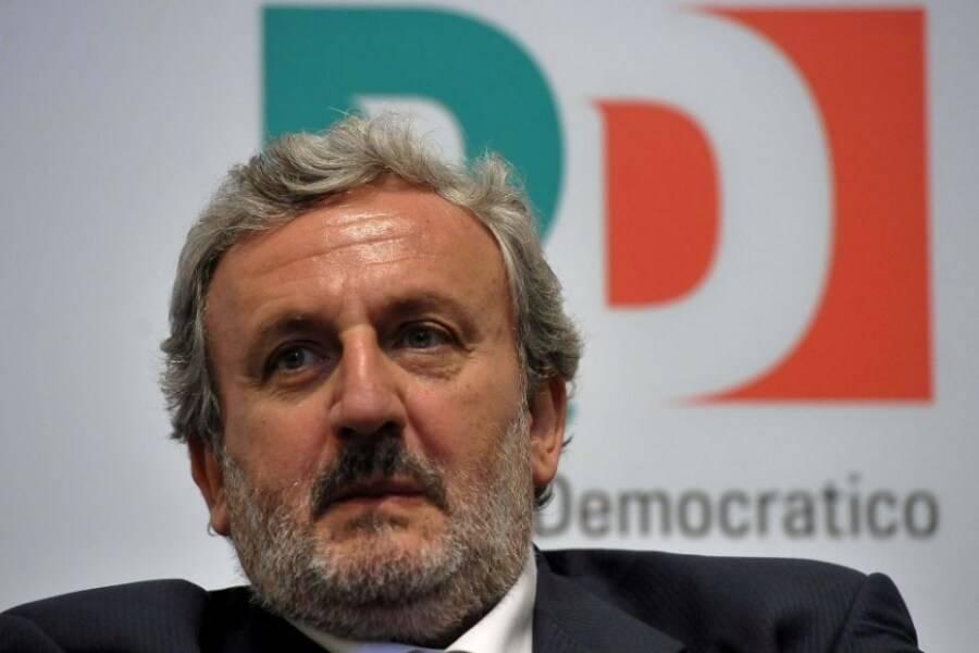 """Emiliano, PD: """"Gli immigrati ci servono. Senza quelli scuri chi raccoglie i pomodori?"""""""