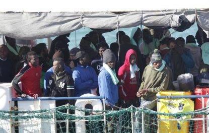 """La Francia cambia idea- non vuole più gli immigrati della Sea Watch perché sono """"migranti economici"""""""