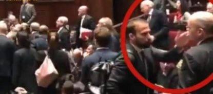 """Marattin schiaffeggia due volte un deputato grillino, bagarre in Parlamento. Lui- """""""