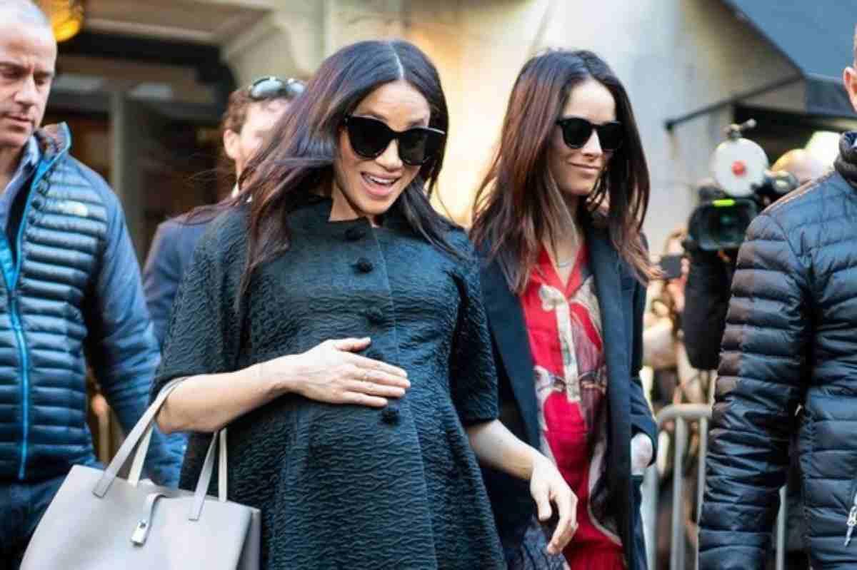 meghan Markle news, la duchessa ha pagato 200k per tornare dal baby shower con un jet privato