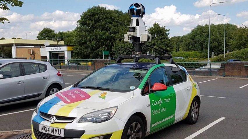Un glitch delle foto su Google Maps e la gamba dell'uomo è scomparsa
