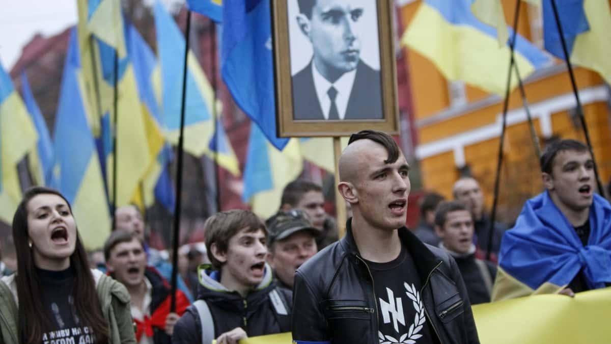 """Il partito neonazi ucraino dopo Al Bano fa il bis: """"Vietare l'ingresso anche a Toto Cutugno, è filo russo"""""""