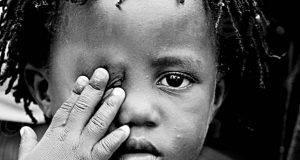 Parma, bimba di 8 anni violentata ripetutamente in bagno di un negozio: arrestato cittadino nigeriano