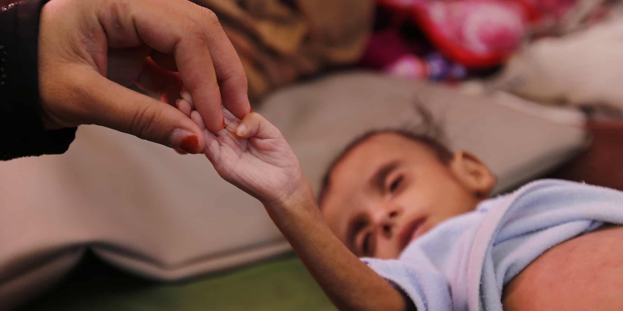 Yemen, l'Arabia Saudita bombarda un ospedale: sette morti, quattro erano bambini