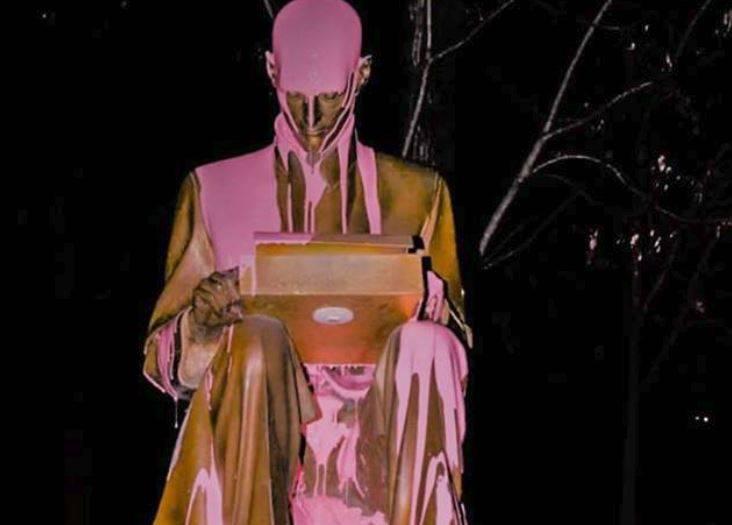indro montanelli statua imbrattata