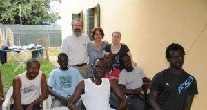 """""""Ho accolto in casa 6 immigrati"""", il PD lo candida alle Europee: """"Sfiderà Salvini"""""""