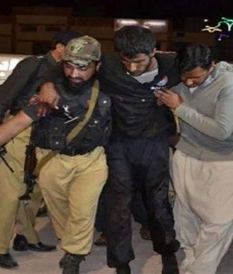 Pakistan, gruppo armato assalta un bus: 14 passeggeri morti, nessuna rivendicazione
