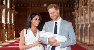 Harry e Meghan presentano il Royal Baby in pubblico