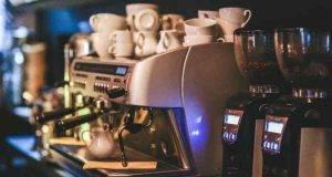 Macchina del caffè esplode durante la procedura di manutenzione