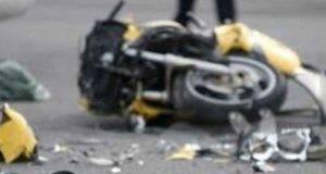 violento schianto auto-moto_ ragazza di 29 anni muore sul colpo