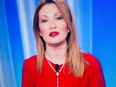 Crocifisso in bella vista al Tg2, Serra attacca