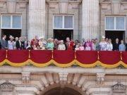 Cerimonia delle truppe militari: la Regina Elisabetta vieta la presenza di Archie