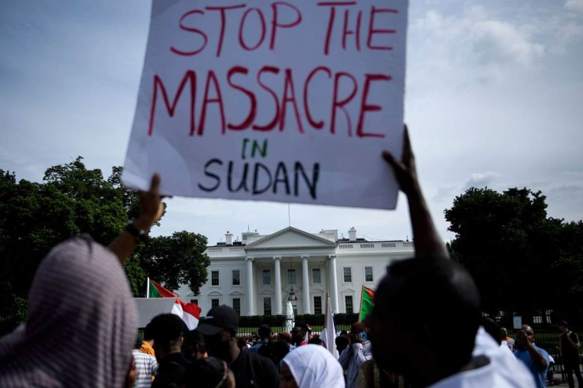 il bilancio è raccapricciante: 100 vittime, 700 feriti e 70 stupri