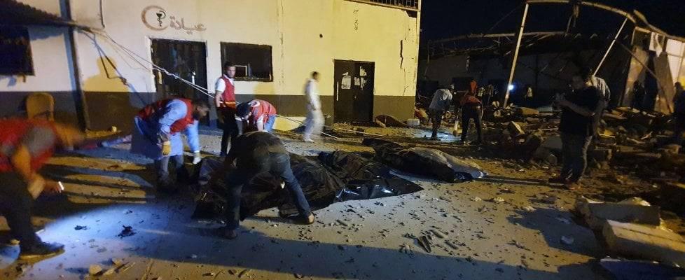 Libia, centro migranti, soccorsi