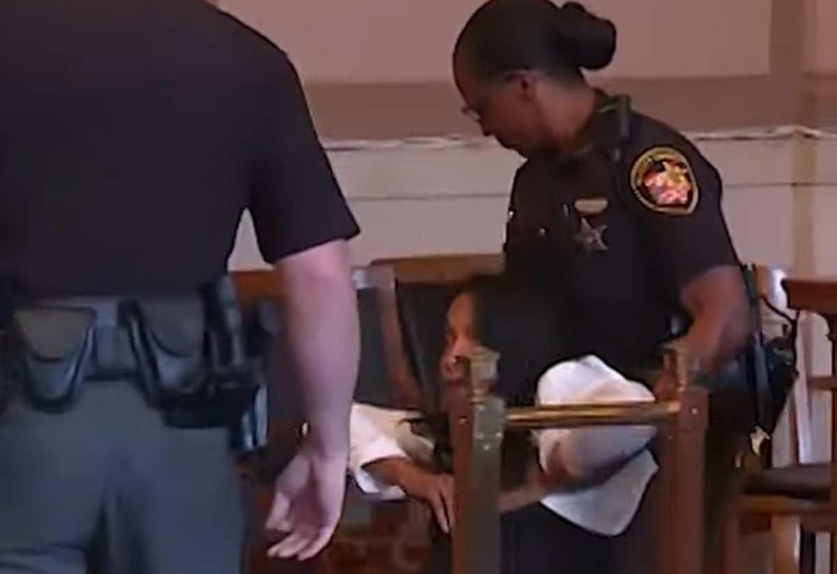 per essere portato in carcere - VIDEO