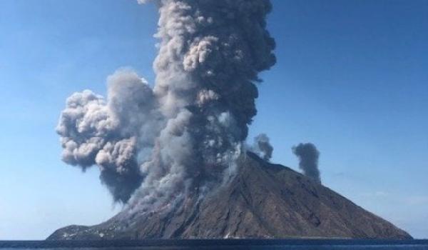 Stromboli, vulcano in eruzione