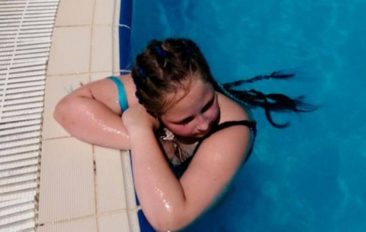 12enne muore in piscina