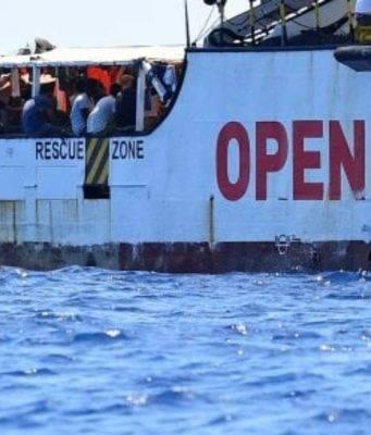 Procura sequestra la nave