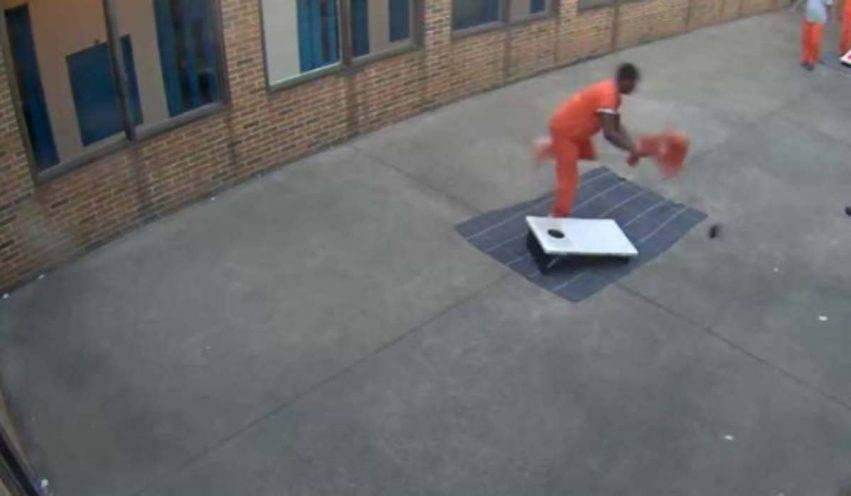 Commercio illegale in carcere con il drone